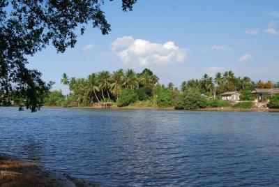 Pengkalan Chepa riverside...