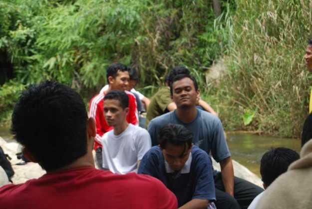 Lantunan Ukhuwah di Sungai Pisang